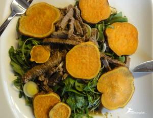 Paleo Warmer Rindfleisch Salat